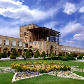 "Elegance ""Alighapoo"" palace، Holiday tour to Iran، group tours to iran، Iran cheap hotels، desert tour iran"