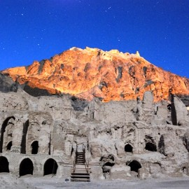"historical ""Khajeh"" mount، iran travel agencies ،Iran tour packages، tour operators in iran"