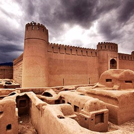 Citadel of Rine,one of the amazing Iran attractive places، Holiday tour to Iran، group tours to iran، Iran cheap hotels، desert tour iran