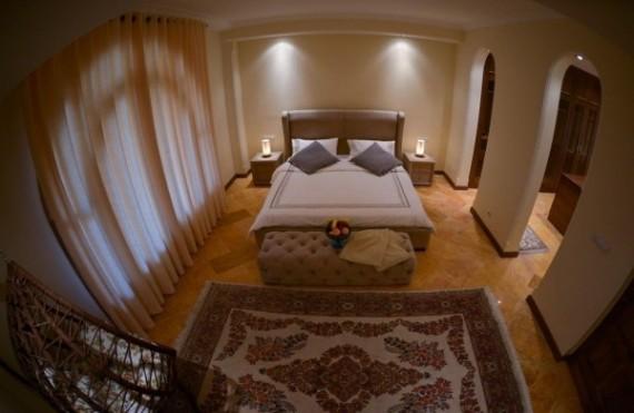 ROZHAYE TALAEI، trip to iran،visit iran، iran travel agencies